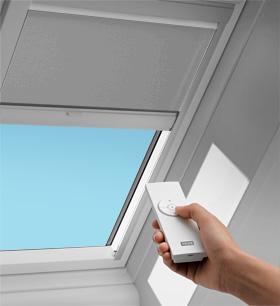 Velux solar blinds velux blinds shades velux for Velux skylight remote control manual